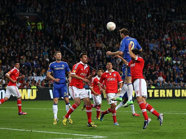 Chelsea strike late to win Europa League