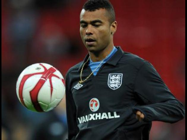 Ashley Cole set for 100th England Cap