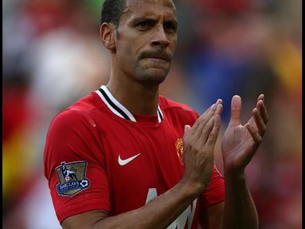 Welbeck hails absent Ferdinand