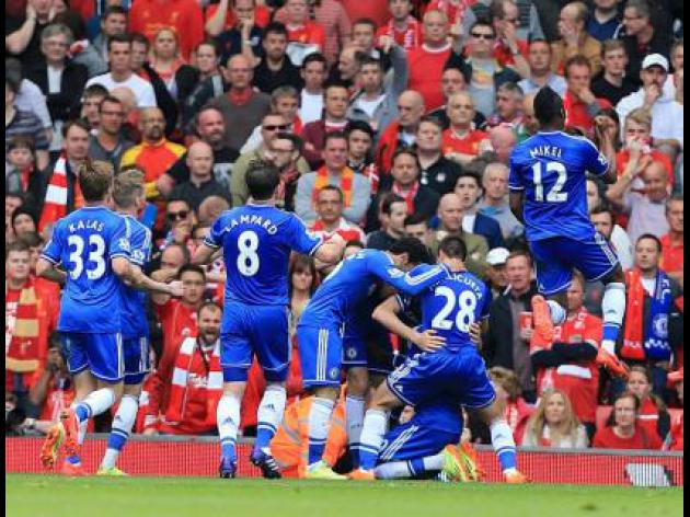 Chelsea stun Liverpool to keep double dream alive