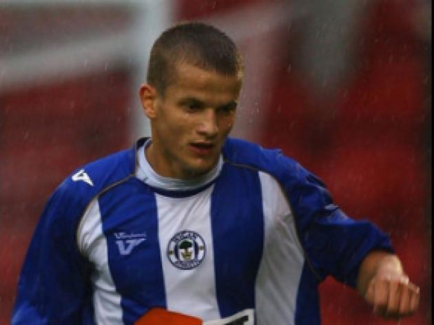 Rams raid Latics for Cywka loan