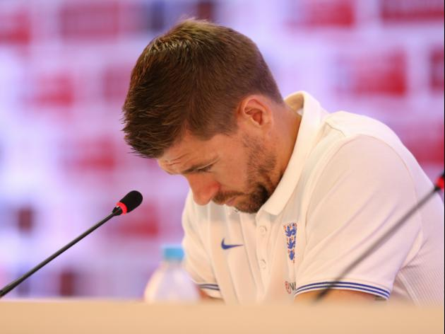 Steven Gerrard has no outstanding candidate to replace him as England captain says Bryan Robson