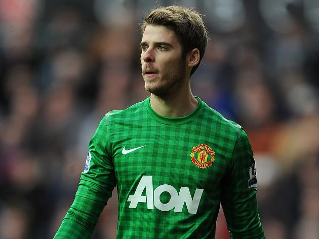 Ferguson stands by De Gea