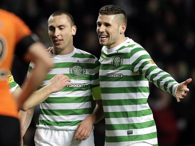 Lennon keen to keep Hooper at Celtic