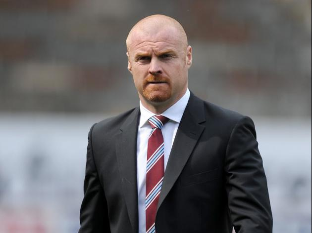 Dyche signs fresh Burnley deal