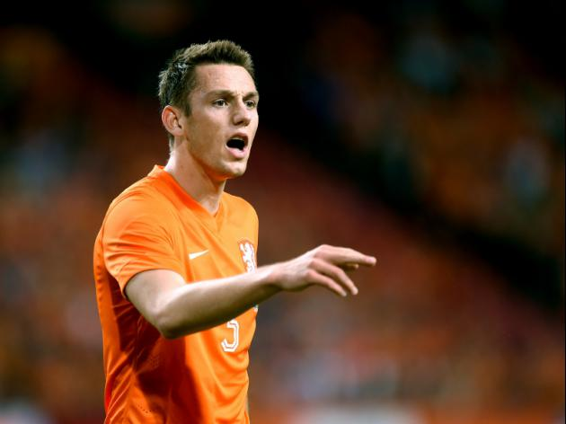 Dutch defender De Vrij joins Lazio