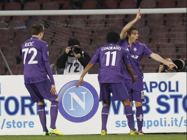 Joaquin header snatches late Viola win at Napoli