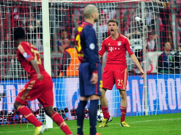 Muller keeps feet on the ground after netting twice against Barca