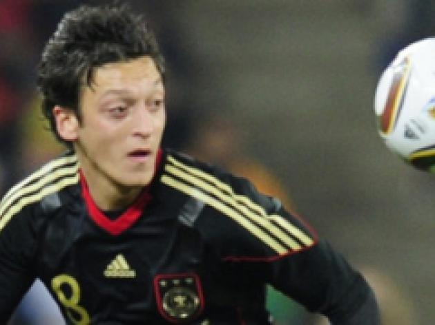 Ozil attracted to Premier switch