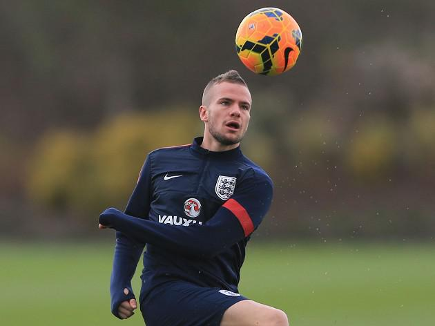Hodgson blasts Cleverley petition
