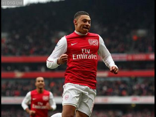 Oxlade-Chamberlain happy to commit