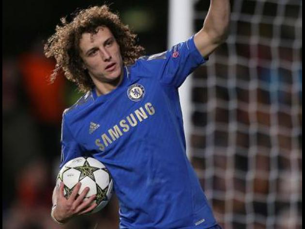 David Luiz open to midfield move with Chelsea