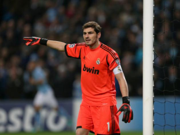 Casillas ready to play - Del Bosque