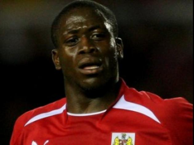 Akinde gives Bees new dimension