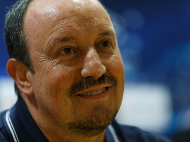 Benitez leaves doubts over Napoli future