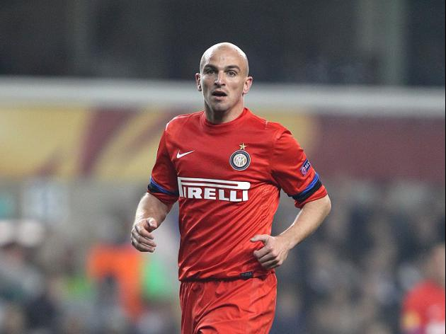 Leicester sign Cambiasso