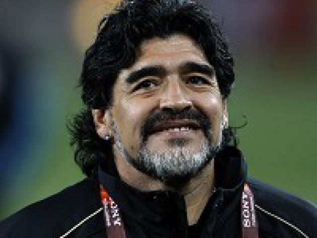 Maradona puts faith in Messi