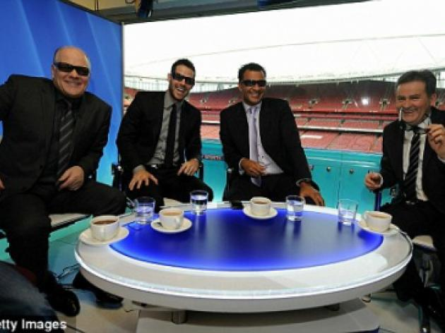 Andy Gray sacked from Sky, Richard Keys worried and Berbatov recues United