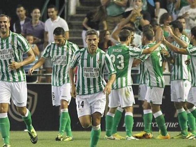 Betis pile on misery for Valencia