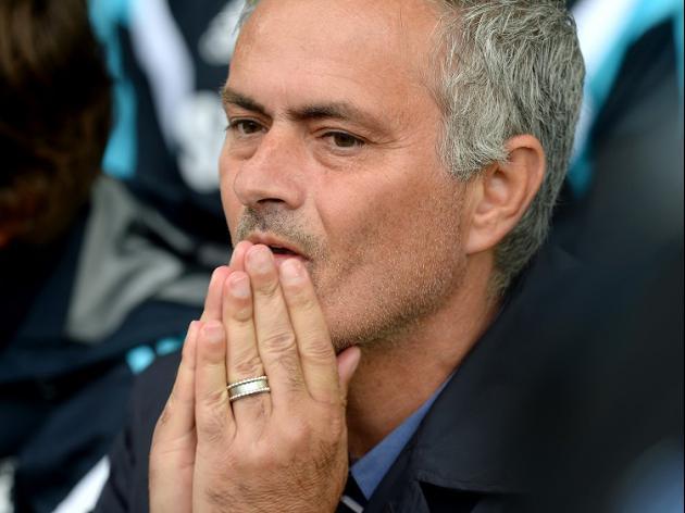 Costa's hamstring tests Mourinho