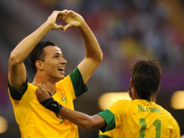 Liverpool offered chance to sign Brazilian striker Damiao