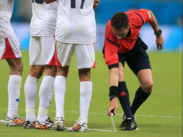 Vanishing spray to make debut in Arsenal, Man City clash