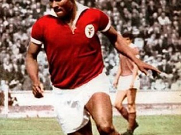 top 10 greatest football players of all time - 6 - Eusebio