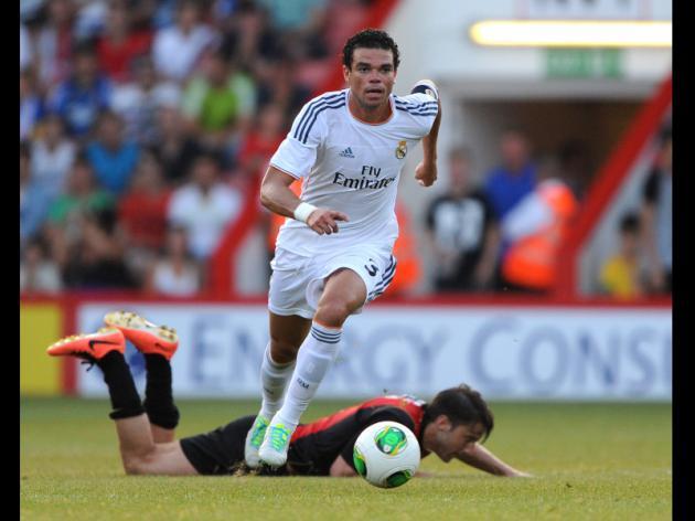 Calf injury makes Pepe doubt for Lisbon final