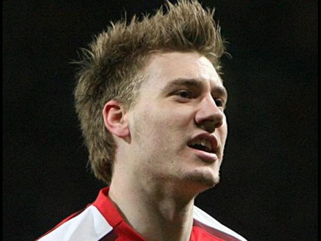 Bendtner inspires five-star Gunners