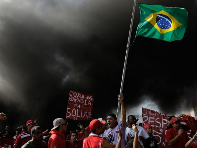 Protestors in Brazil move on World Cup trophy show venue