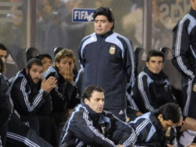 Maradona on the brink as Argentina suffer another blow in World Cup bid