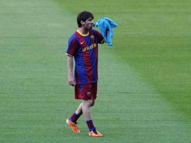 Lionel Messi isn't loved like Diego Maradona in Argentina