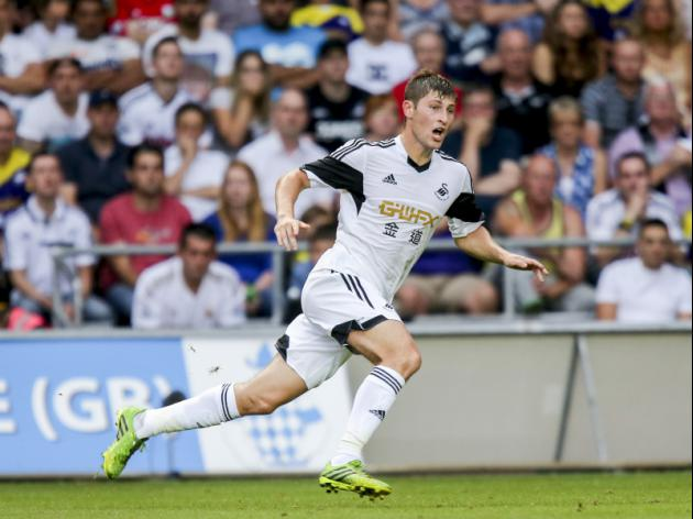 Tottenham desperate to overcome transfer wrangle with Swansea and sign Ben Davies