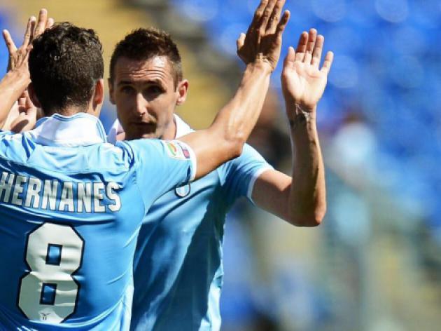 Lazio oust Roma to lift Italian Cup