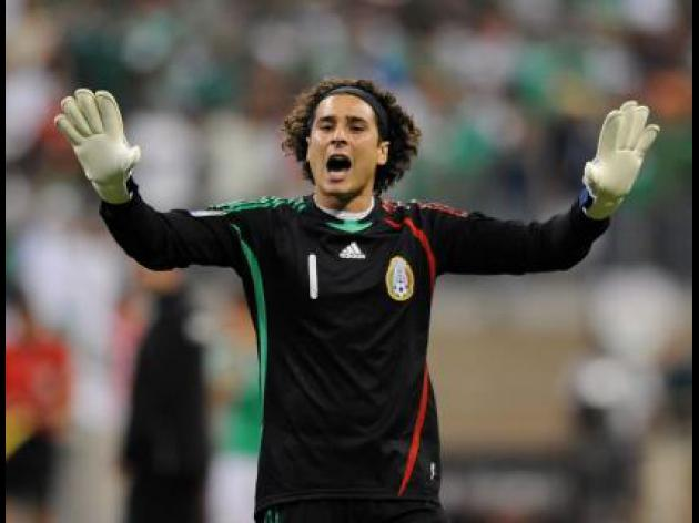 Ochoa stars as defiant Mexico hold Brazil