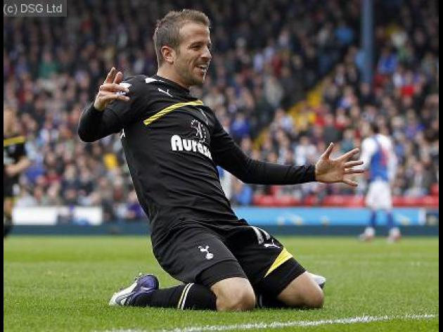 Van Der Vaart Set to quit Spurs for Schalke