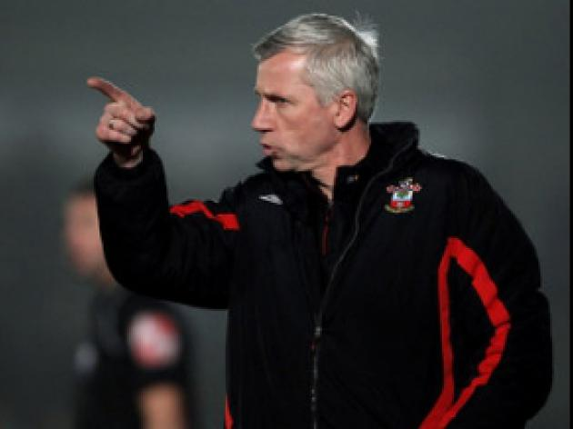 Pardew unhappy with Saints show