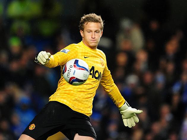 Manchester United boss Sir Alex Ferguson keeps Lindegaard promise