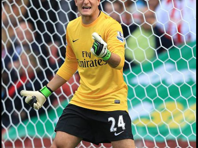 Wenger: Mannone is strong enough