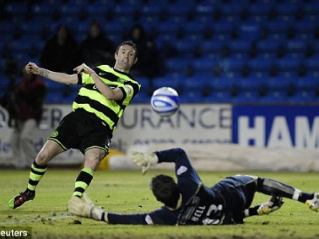 Kilmarnock 1 Celtic 0: Robbie Keane burns fingers as he's sold a dummy
