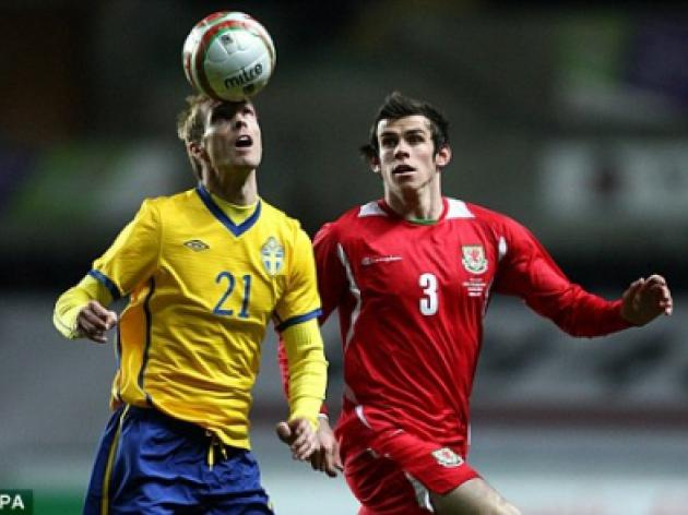 Gareth Bale urges Wales caretaker boss Brian Flynn to focus on young stars