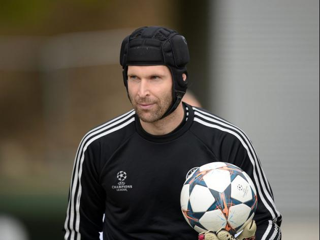 Cech undergoes successful surgery