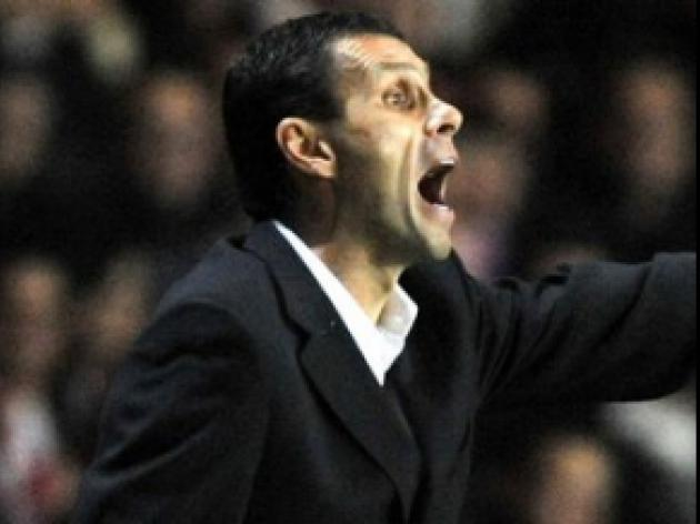 Poyet fumes at penalty decision