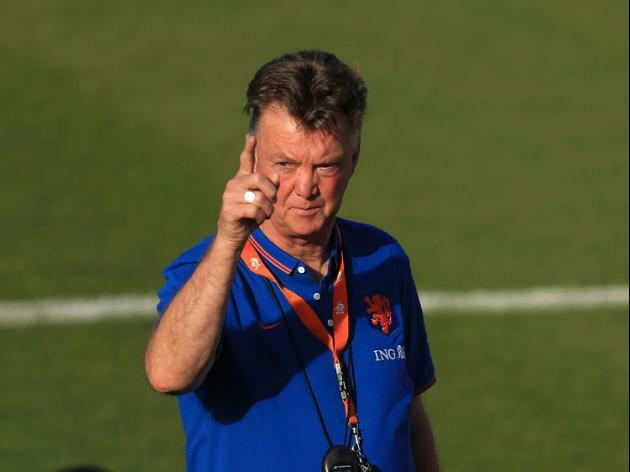 Van Gaal available for pre-season