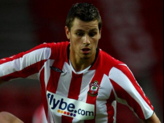 Schneiderlin set for Saints return