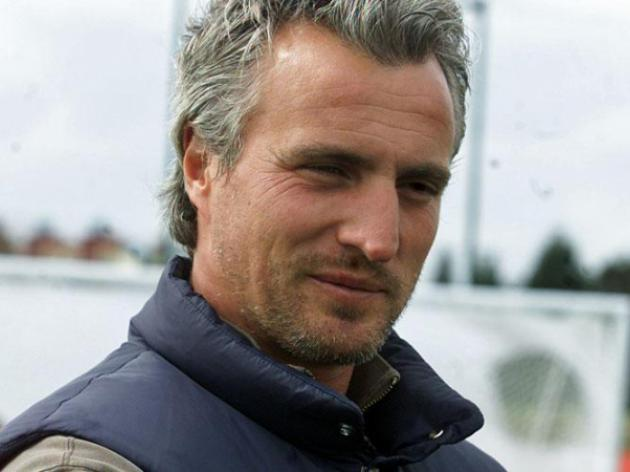 Ginola calls for stability at Newcastle