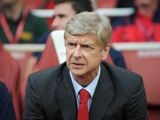 Wenger: Suarez bid on standby