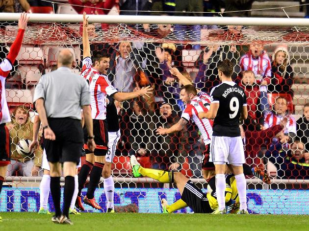 Sunderland down Saints to progress in the Capital One Cup