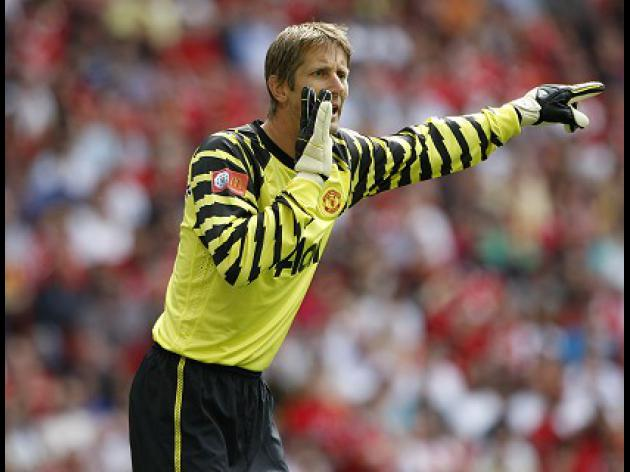 Van der Sar keen to end on a high
