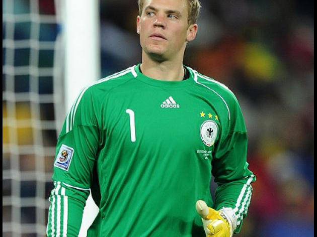 Neuer brushes off injuries ahead of Portugal opener